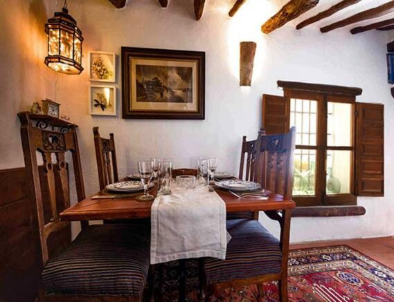 Casa Escondida Dinin
