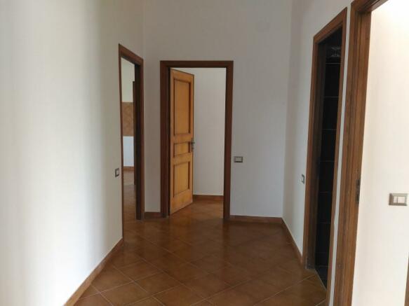 Hallway first floor2