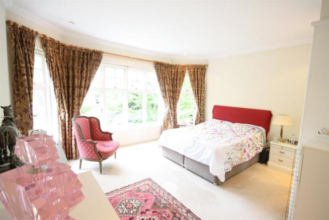 40 Wolesey Road East Molesey bed 2.jpg