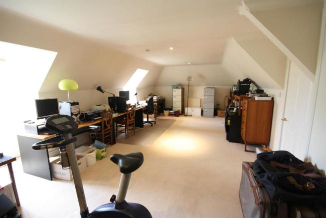 40 Wolesey Road East Molesey loft Room .jpg