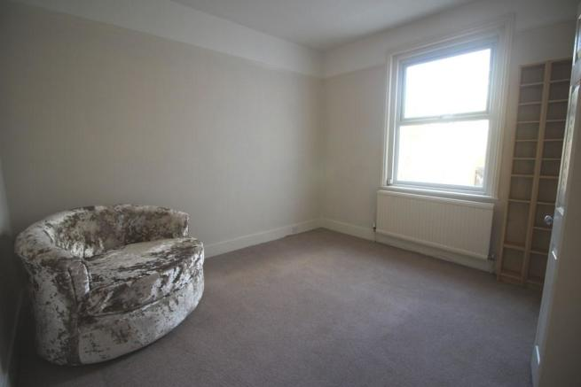 DINING ROOM / BED 4
