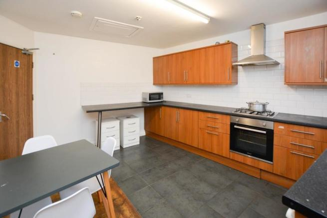 Communal Kitchen / Dining