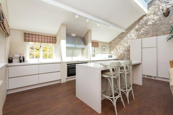 Kitchen/Dining (B)