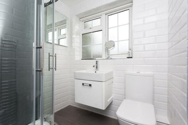 Shower Room (B)