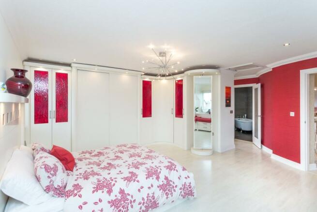 Maeter Bedroom