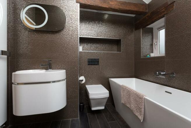 Family Bathroom (A)