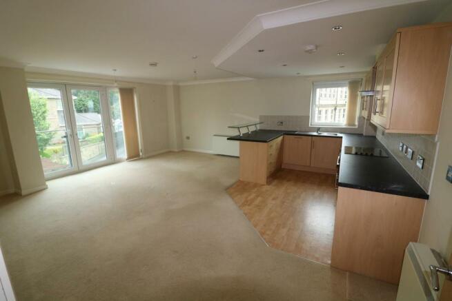 Lounge & kitchen area
