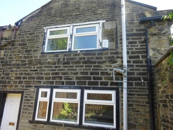 Terrific 2 Bedroom Cottage To Rent In Walton Buildings Ovenden Interior Design Ideas Apansoteloinfo