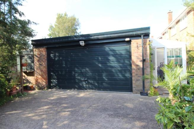 DRIVEWAY & DOUBLE GARAGE