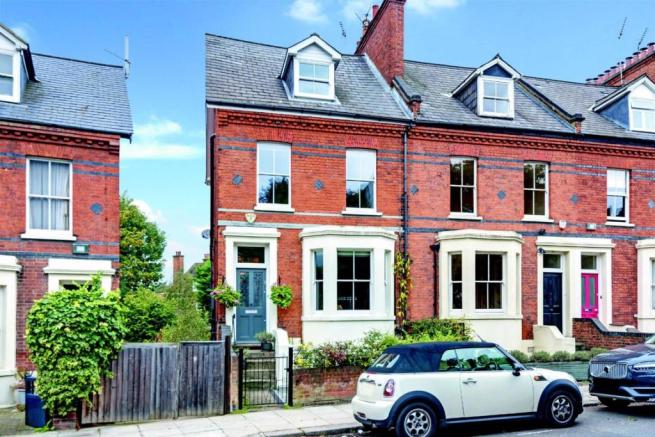 4 bedroom house for sale in Platts Lane, Hampstead, NW3