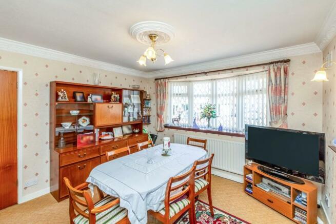 Dining Room/ Bed Fiv