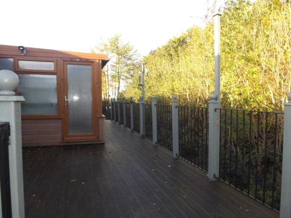 Decked Balcony/Terra