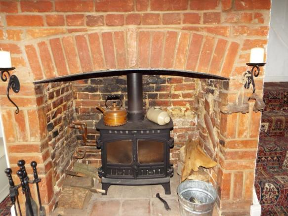 Wood burning stove i