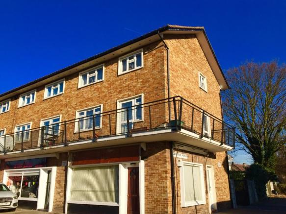 maisonette for sale in leyswood drive  ilford  ig2