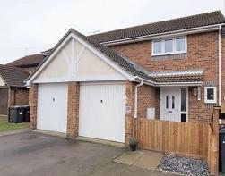 Photo of Oakley Avenue, Rayleigh, Essex, SS6