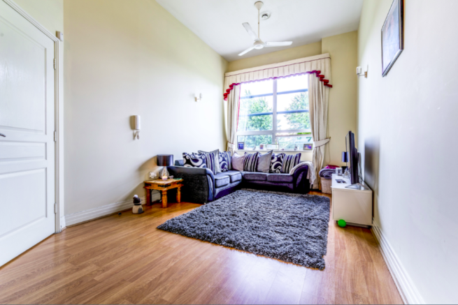 2 Bedroom Flat For Sale In The Wills Building Oval Newcastle