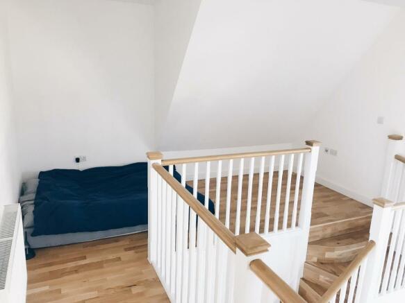 Mezzanine Bedroom Ar