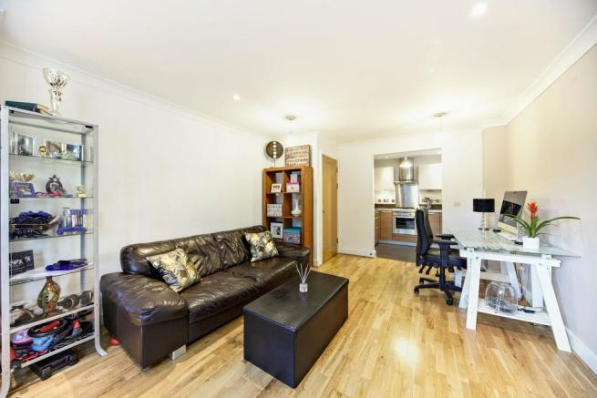 1 Bedroom Flat For Sale In The Gables 42 Brighton Road