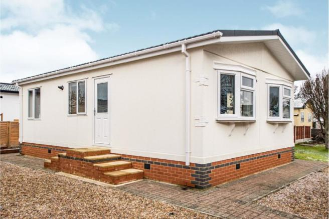 2 Bedroom Mobile Home For Sale In The Grove Woodside Park
