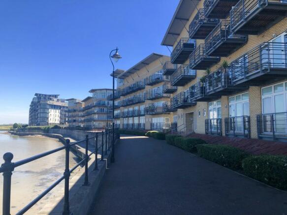 River Thames Outlook