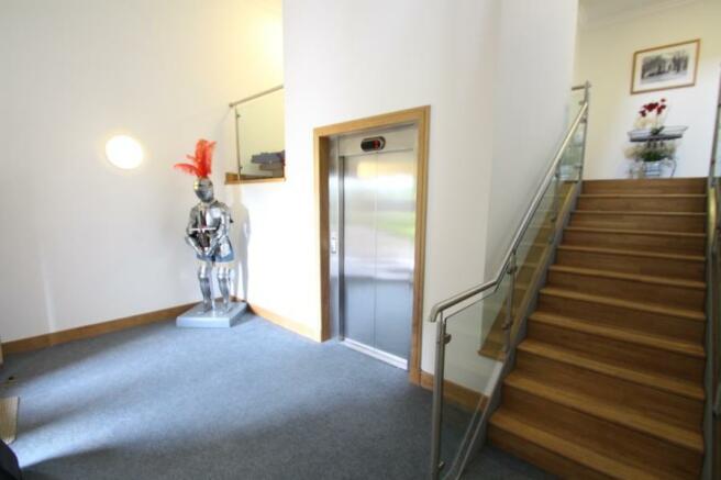 Foyer-Elevator
