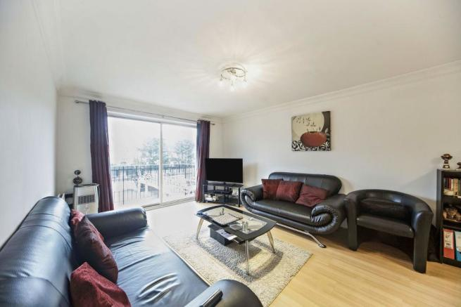 2 bedroom flat for sale in French Apartments, Lansdowne ...