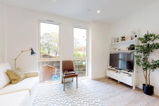1 Bed Show Flat
