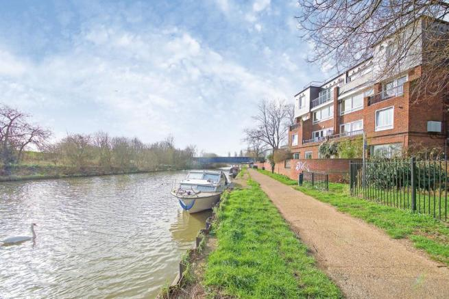 1 bedroom flat for sale in Yarmouth Crescent, Tottenham ...