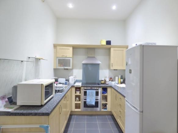 Open Kitchen To Loun
