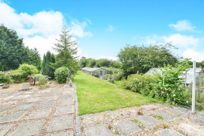 Side garden Old rail