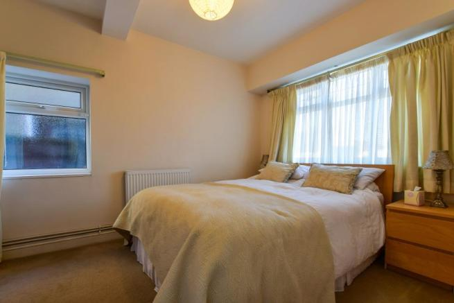 Guest Room/Bedroom T
