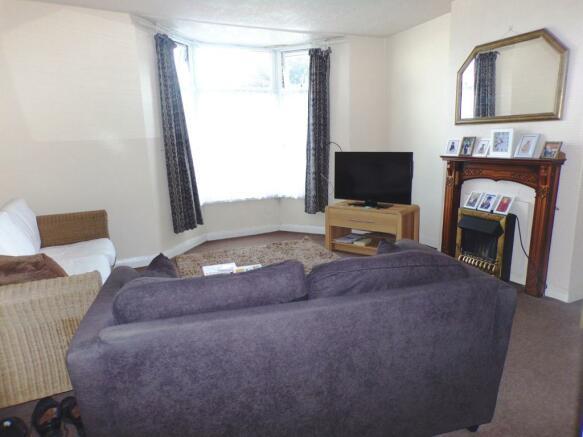 Lounge (Flat 1)