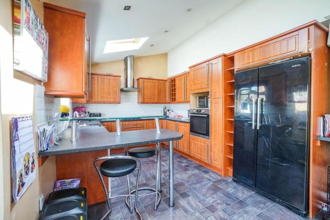 Kitchen/ Dining and