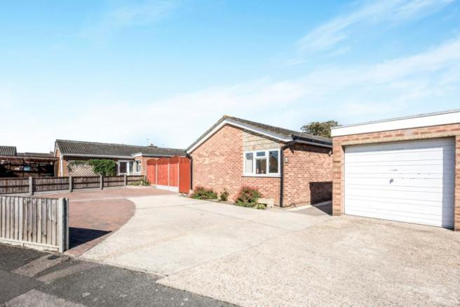 3 Bedroom Bungalow For Sale In The Firs Kempston Bedford