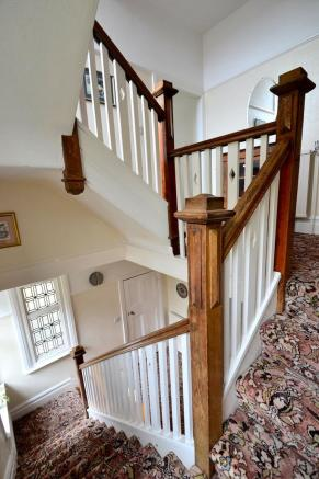 Staircase newel p...