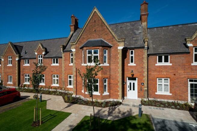 1 bedroom ground floor flat for sale in Bierton Road 5d01b672681