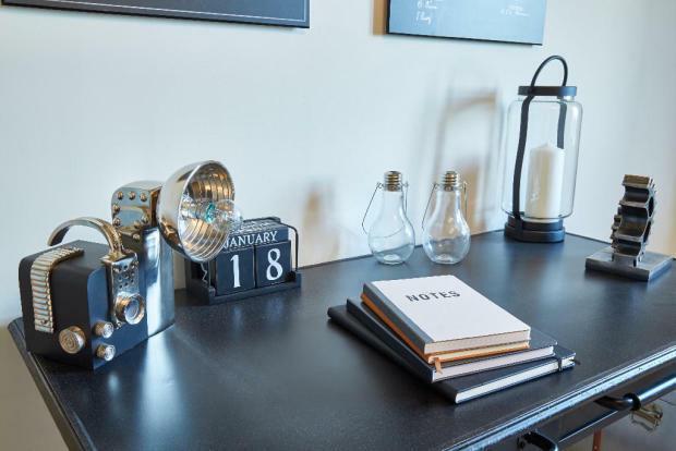 Lifestyle desk