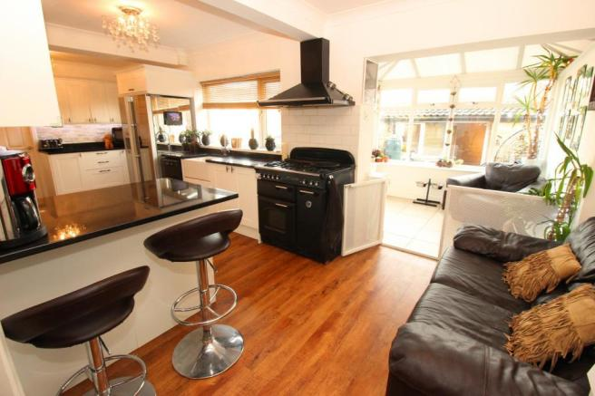 5 bedroom semi-detached house for sale in Wolley Gardens, New ... on semi detached house uk, terraced house uk, manor house northamptonshire uk, house to home uk,