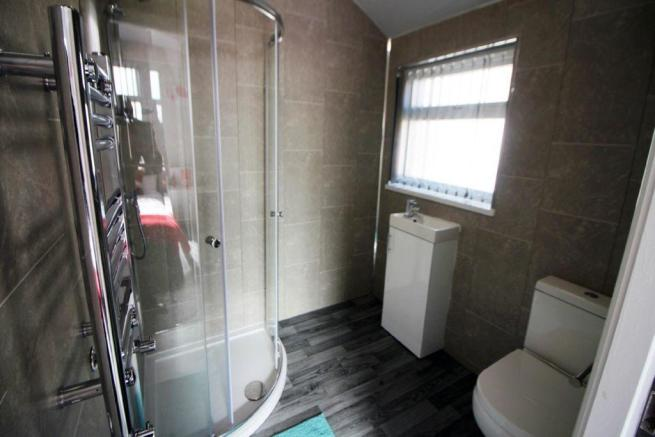 Ensuite to Bed 3