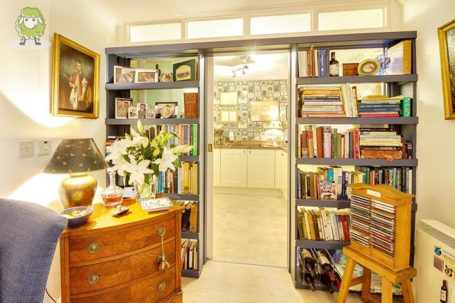 Feature Fitted Bookshelves
