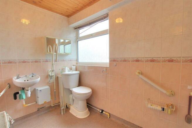 Bathroom (Downstairs Wetroom)