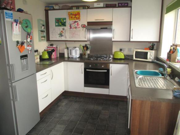 3 Bedroom Semi Detached House To Rent In Cunningham Road Yeovil
