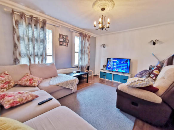 3 Bed End of Terrace / Townhouse
