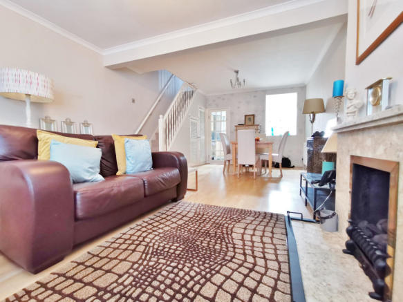 2 Bed Mid-Terrace House