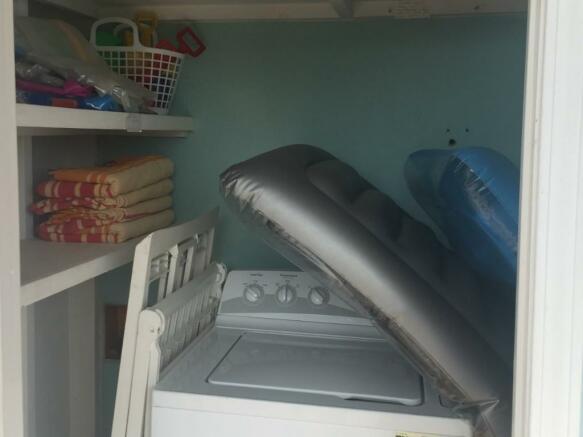 Washing cupboard