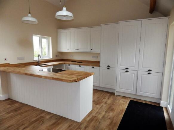 Open Plan Kitchen/Diner & Lounge
