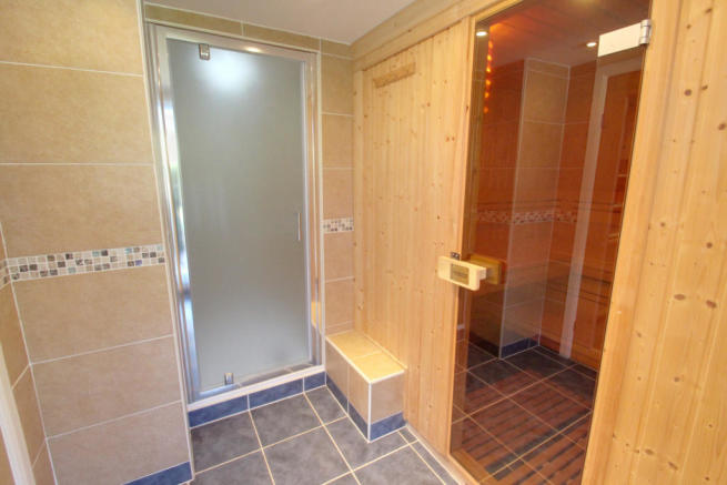 Sauna - Shower room