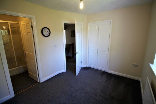 Bedroom 2 into ensuite.JPG