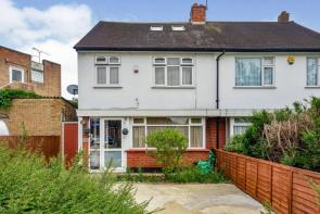 Photo of Chigwell Road, Woodford Green, IG8