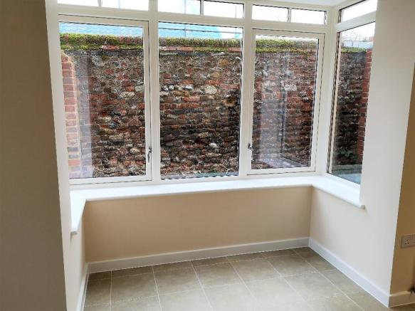 3 Bedroom Detached House For Sale In Greene Mews Bury St